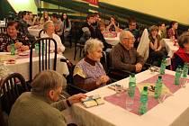 Dětem se od seniorů v bruntálském Domově Pohoda dostalo v úterý 5. listopadu vřelého přijetí. Jak by také ne, pro seniory uspořádaly finanční sbírku a obdarovaly je knihami.