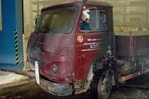 V krnovské firmě shořela Avie za dvě stě tisíc korun.