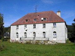 Jižní průčelí vily Fritze Grohmanna.