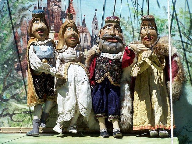 Loutkové divadlo KAŠPÁRKŮV SVĚT přijedou srodinnou loutkovou pohádkou Peklo vpekle a další příběhy Kašpárka.