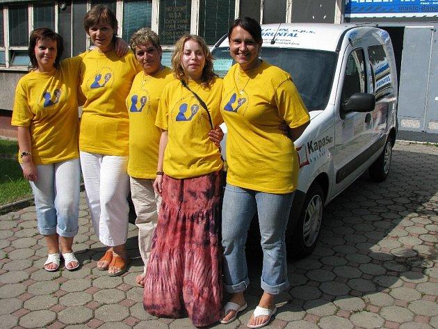 Pracovnice obecně prospěšné společnosti Help-in mají z nového Renaultu Kangoo velkou radost. Nebudu už muset za svými klienty jezdit vlakem nebo autobusem.