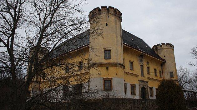 Zámek Dívčí hrad se konečně podařilo prodat