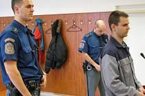 Tři roky může ve věznici s dozorem přemýšlet o následcích své brutální povahy Tomáš Sprosták z Krnova. Právě tolik vyfasoval za týrání bývalé přítelkyně.