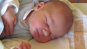 Jmenuji se TOMÁŠ HEINZKE, narodil jsem se 14. Dubna 2019, při narození jsem vážil 3880 gramů a měřil 52 centimetrů. Krnov