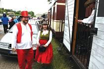 Kromě běžných cestujících se v parním vlaku svezl také Rumcajs, Maková panenka a řada dalších pohádkových bytostí.