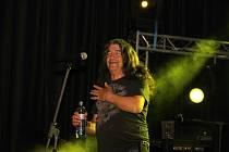 Italský zpěvák Drupi odehrál v Krnově nezapomenutelný koncert. Během čtyř dnů strávených v Krnově se věnoval fanouškům, zašel na radnici i na výlet k Petrovu rybníku.