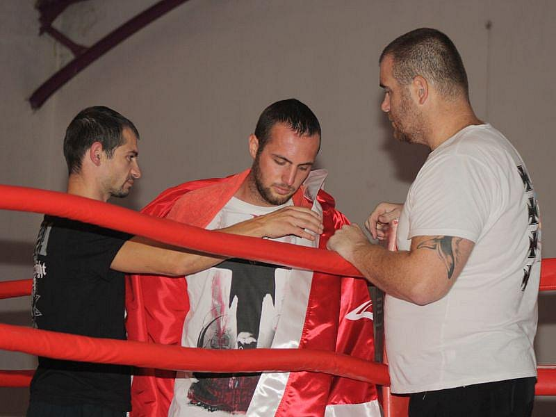 Grigorios Akritidis (uprostřed), vlevo Josef Pröschl. Ilustrační foto.
