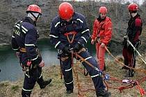 Poutavé scény nabídlo dvoudenní cvičení záchranářů v okolí Slezské Harty, Šifrů a Kružberské přehrady.