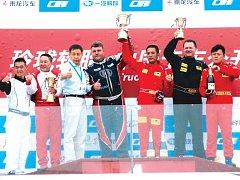 Martin Kolomý pokořil všechny soupeře a je dvojnásobným vítězem China Truck Racing Championship 2015.