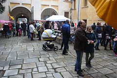 Pro rudoltický zámek hlavní podzimní událostí bývají Kateřinské trhy, protože svatá Kateřina Alexandrijská je patronkou obce. Má svátek 25.listopadu.