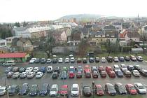 Budou na parkoviště krnovské nemocnice opět přijíždět návštěvy pacientů?