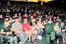 Krnovský kinosál zaplavili natěšení fanoušci příběhů o Harrym Potterovi.