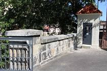 Limnigrafická stanice v centru Krnova byla opravena za přísného dohledu památkářů. Slouží k měření průtoků od roku 1927.