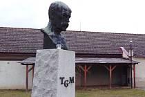 Památník T. G. Masaryka ve Slezských Rudolticích.