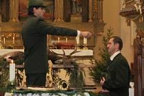 Pradávný obřad přijímání nováčka na myslivce se odehrál v sobotu v kostele svatého Šebestiána v Třemešné.