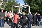 Česko německý týden začal v Krnově setkáním německých rodáků u památníku Leopolda Bauera a pokračoval přijetím na radnici. Večer se němečtí hosté setkali s  krnovským místostarostou Michalem Brunclíkem a bývalými starosty Bedřichem Markem (KDU-ČSL) a Jose