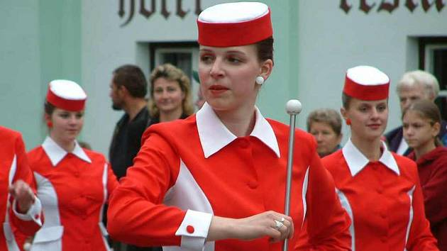 Mažoretky doprovodil Dechový orchestr mladých z Jeseníku.