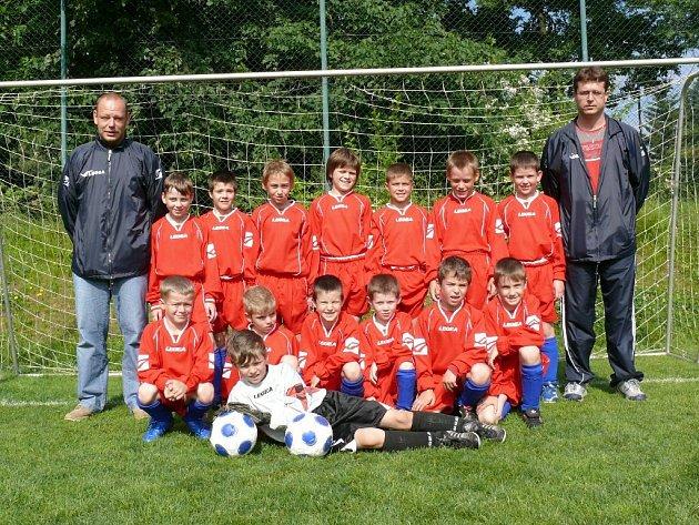 Výběr mladší přípravky pod vedením trenéra Marka Grulicha a vedoucího týmu Jiřího Grulicha.