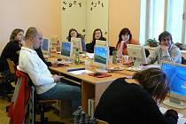 Díky spolupráci s Kateřinou Lindovskou, ředitelkou krnovského Městského informačního a kulturního střediska se vzdělávají pracovníci MIKSu.