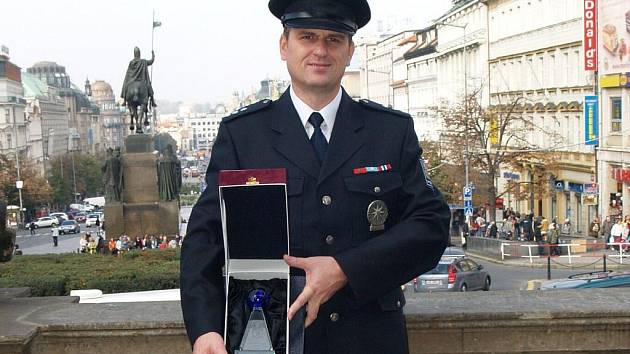 Antonín Kaňok v pražském Národním muzeu převzal cenu Policista roku 2008 služby cizinecké policie.