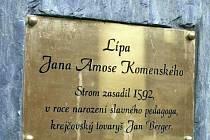 Pamětní deska - Lípa J. A. Komenského