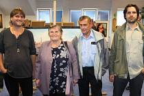 Rodiče Margita a Erwin Matelovi příliš na výstavy nechodí. Když vystavovali oba jejich synové Martin (vlevo) a Pavel (vpravo) ve vrbenské Střeše, nenechali si to ujít.