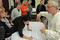 Fórum zdravého města je způsob, jak definovat deset nejzávažnějších problémů města a upozornit na ně politiky i úředníky.