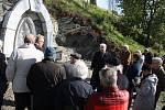 Výročí 150 let od narození olomouckého světícího biskupa Schinzela si v Krasově připomenula obec i farnost. Vzpomínku mu věnovali Češi i Němci, katolíci, evangelíci i občané bez vyznání.