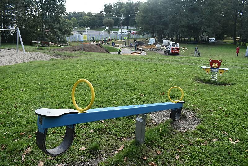 Soutěž mladých zahradníků Lipová ratolest probíhá na hřišti v Krnově Kostelci. 23. září 2021.