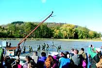 Výlov Výtažníku přilákal davy Krnovanů, kteří se chtěli něco dozvědět o práci rybářů a užít si zábavy.