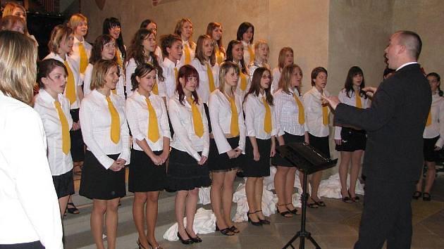 Sbor Ars Voce v Koncertní síni sv. Ducha.
