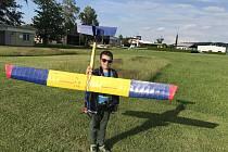 Modelář Martin Dlouhý se setkal se ztraceným elektromodelem větroně.