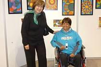 Hela Nejedlá má za sebou čerstvé úspěchy na celorepublikové abilympiádě 2013. Její výstavy obrazů se zúčastnila i bývalá ministryně práce a sociálních věcí Ludmila Müllerová.