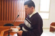 Stanislav Smékal v pondělí 10. května u bruntálského soudu tvrdil, že se nebohé dívky vloni v srpnu ani nedotknul.