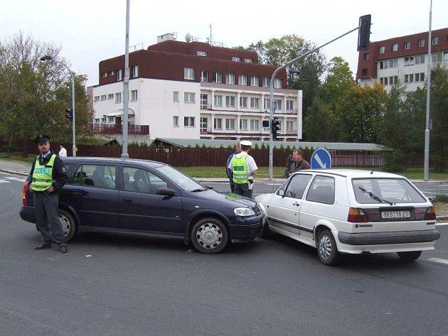 Na nebezpečné křižovatce došlo k další kolizi.