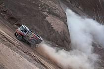 Zběsilá jízda zajistila posádce kamionisty Martina Kolomého v deváté etapě Rallye Dakar sedmou pozici, a to i v celkovém pořadí.