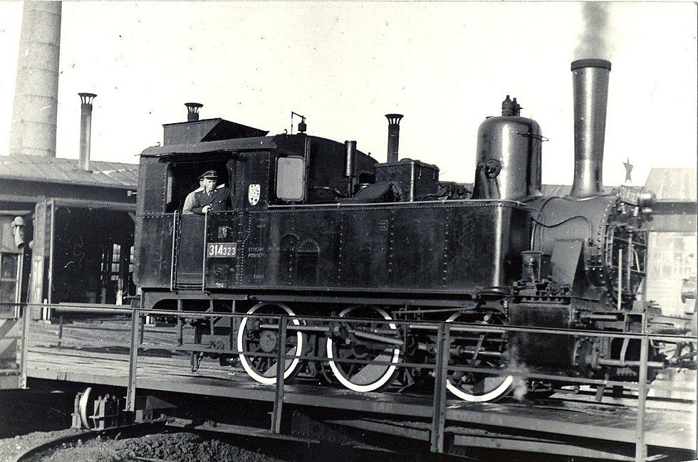 Fotografie k článkům Jana Dokládala o historii železniční dopravy na Krnovsku. Zdroj: se svolením Jana Dokládala