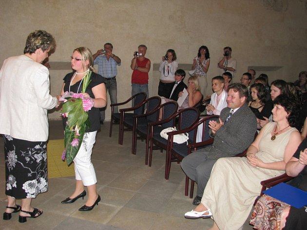 Základní škola na Smetanově okruhu loučí se svými absolventy.