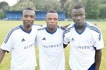 K prvnímu letošnímu vítězství fotbalistů Břidličné pomohly i tři africké posily, zleva Jude Agri, Raymont Darkeh a Jonathus Akolgo.