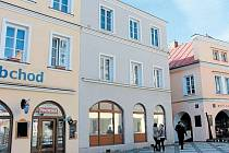 Pracovníci Turistického informačního centra Krnov se už brzy přestěhují do tohoto renesančního měšťanského domu ze druhé poloviny 16. století. Už plánují, jak tuto památku vylepšit venkovní multimediální tabulí.