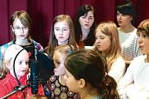 Dramatický soubor Jednička ze Základní školy v ulici Jesenická patří mezi několik velmi úspěšných kroužků, které dětem nabízejí bruntálské základní a střední školy.