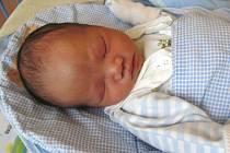 Jmenuji se DUC KHOI NGUYEN, narodil jsem se 19. července, při narození jsem vážil 3140 gramů a měřil 48 centimetrů. Bydlím v Krnově.