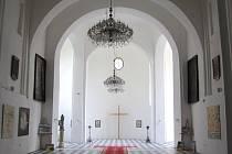 Kaple sv. Josefa konečně zase vypadá jako kaple. Slavnostní otevření proběhne 20. června ve 13.30 hodin. K dopravě do Slezských Rudoltic mohou turisté využít parní vlak na Osoblažce.
