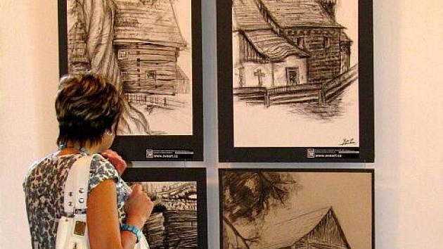 Expozice na zámku v Linhartovech.