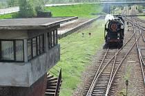 Stavědlo pro signalisty bylo to první, co cestující uviděli při příjezdu do Krnova. Před pár týdny z hlavního nádraží obě stavědla zmizela. Nahradila je moderní zabezpečovací technika.