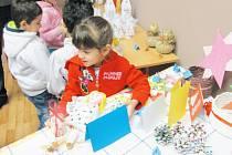 Vánoční výstavka v Krnově ukázala, co všechno dokážou handicapovaní žáci.