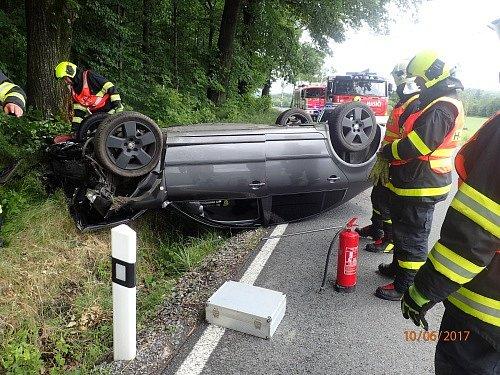 U nehody zasahovali hasiči z Krnova i Města Albrechtic.