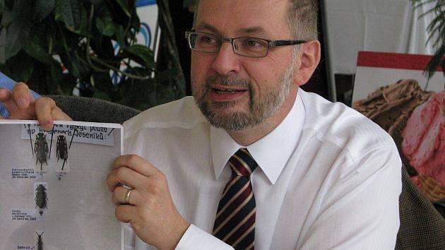 Ministr životního prostředí Ladislav Miko jednal v úterý 15. září v Karlově Studánce se starosty místních obcí o možnosti vyhlášení Národního parku Jeseníky.