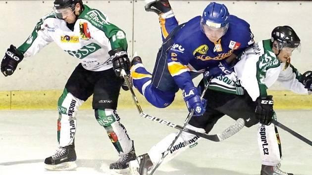 Druhé postupové vítězství nad týmem Kopřivnice vybojovali hornobenešovští hokejisté v sobotu na svém ledě, kde svého soupeře porazili poměrem 4:1.