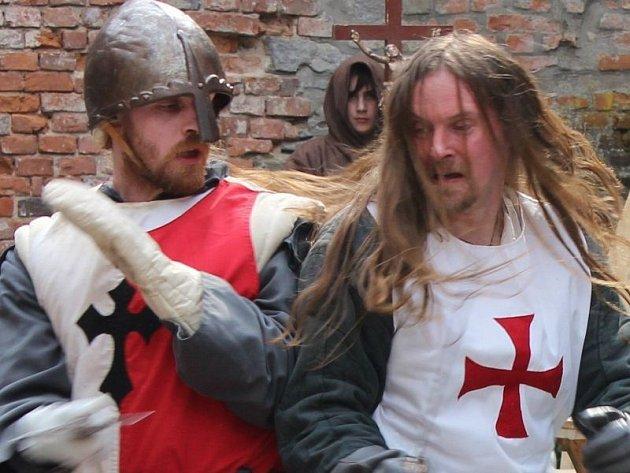 Historická akce opět láká na hrad Sovinec.